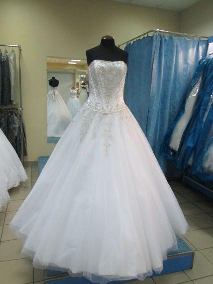 19aafdadbb9 Прокат продажа свадебных платьев Эксклюзивные свадебные платья ...
